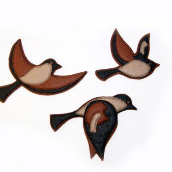 """""""птичка"""" игрушка для настенного декора из фетра с аппликацией"""