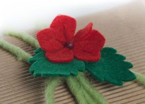подарочный декор коробок к 8 марта, фетровые цветы для упаковки