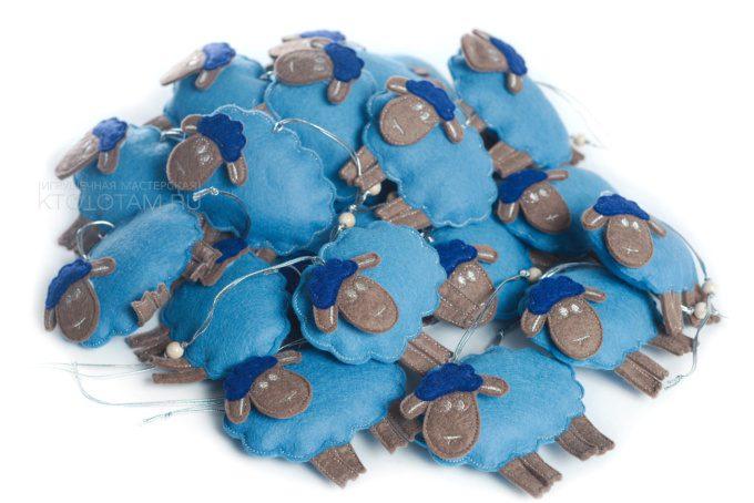 "елочная игрушка ""овечка"" символ года из войлока"