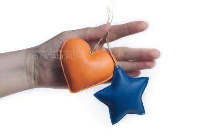 елочные игрушки ручной работы из кожи и фетра, елка, кожаная игрушка на ёлку, сувениры из кожи на заказ