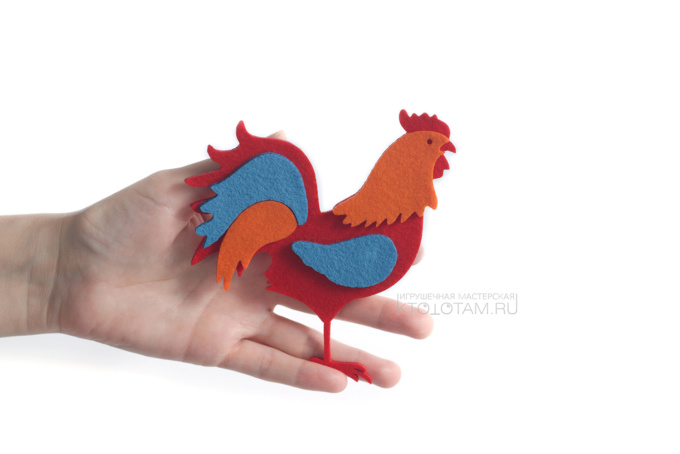 петух елочная игрушка из фетра с аппликацией, производство на заказ с логотипом в корпоративных цветах заказчика, коллекция символов года 2017 Петуха, Курицы