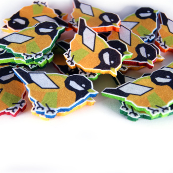 фигурные полноцветные магниты и значки, промо сувенир из фетра в виде персонажей, маскоты промо сувенирка, сувениры для выставки, необычные сувениры на заказ