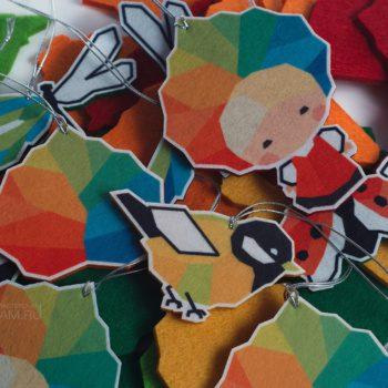 фигурные полноцветные ёлочные игрушки из фетра, промо сувенир из фетра в виде персонажей и логотипа, маскоты промо сувенирка, сувениры для выставки, необычные сувениры на заказ
