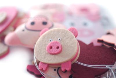 сувениры в виде свиньи, сувениры к году желтой земляной свиньи, сувенир свинья 2019