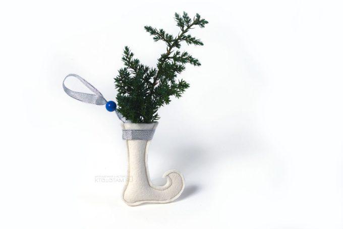 сувенир подарочный новогодний сапог из фетра с настоящим можжевельником