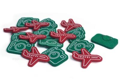 значки из фетра самолёты и фотоаппараты с принтом и логотипом производство на заказ