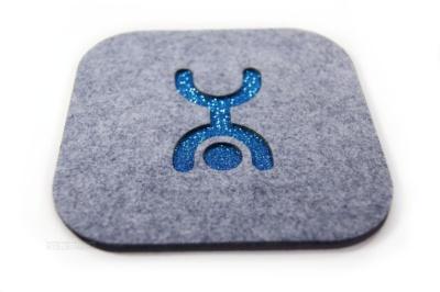 чехол для планшета из фетра с вырезным логотипом