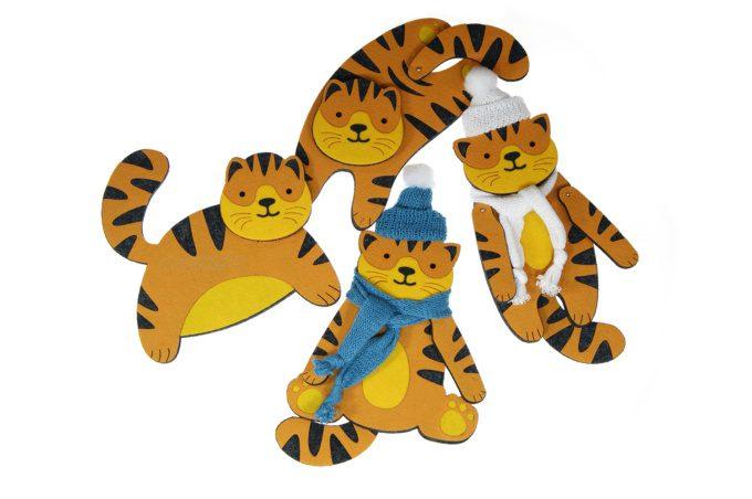 фетровый тигр игрушка на ёлку с логотипом на заказ фирменный подарок опт
